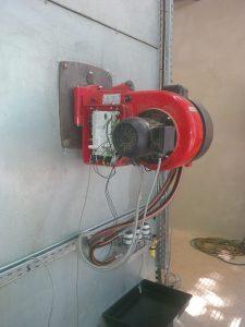 Industrie Brenner von Weishaupt (WM-L 10/4-A) mit Auffangwanne zur Lecküberwachung
